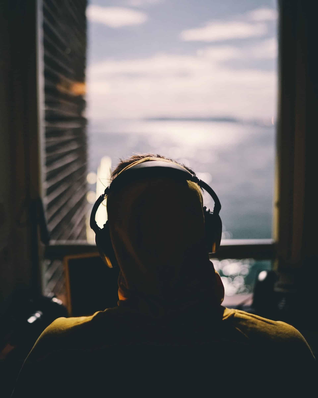 noise canceling headphones for travel
